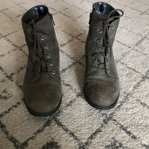 Sperry lace up boots